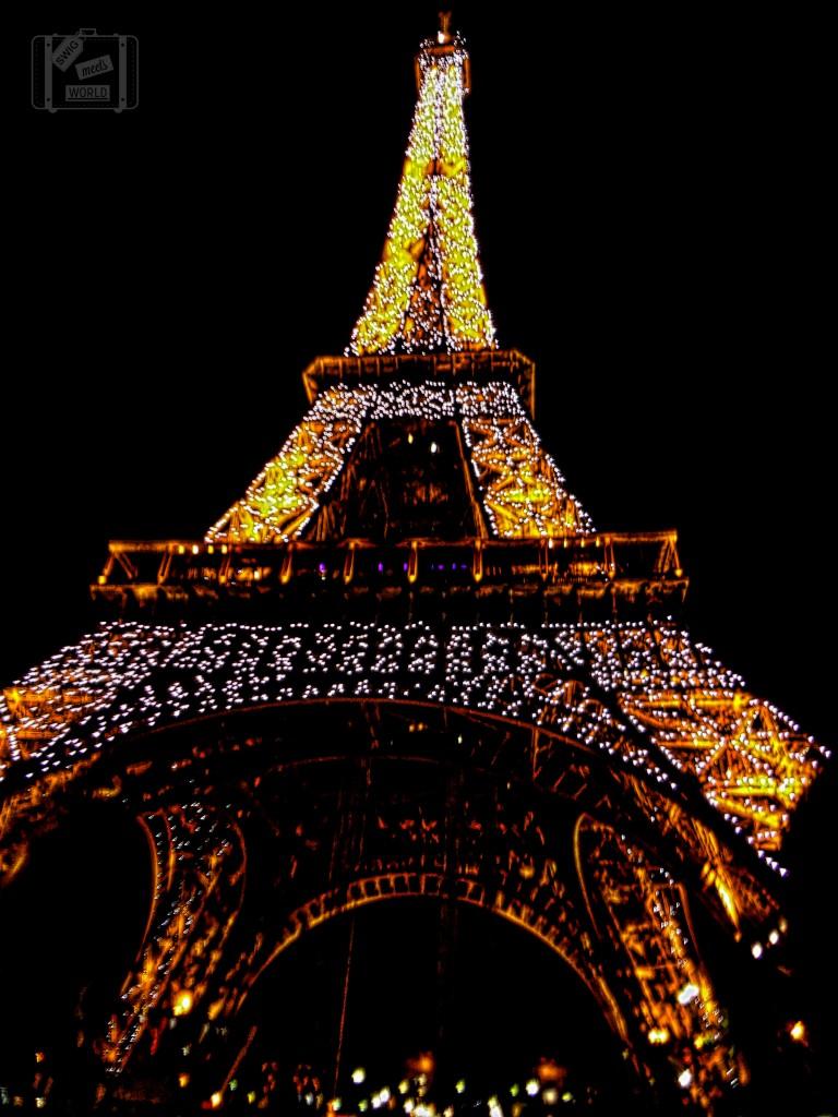 Eiffel Tower Sparkle Night show